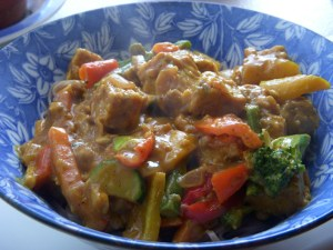 tempeh vegetable stir fry with peanut curry sauce