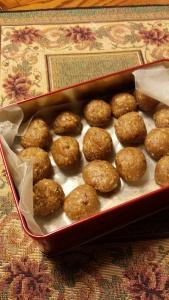 vegan peanut butter rum balls